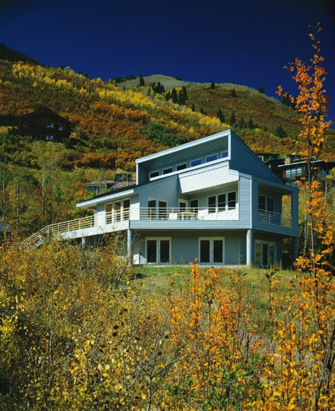When you have views this amazing, you need to make sure you match them.  This multi-level home is built into the side of the hill, and needs to look  as ...